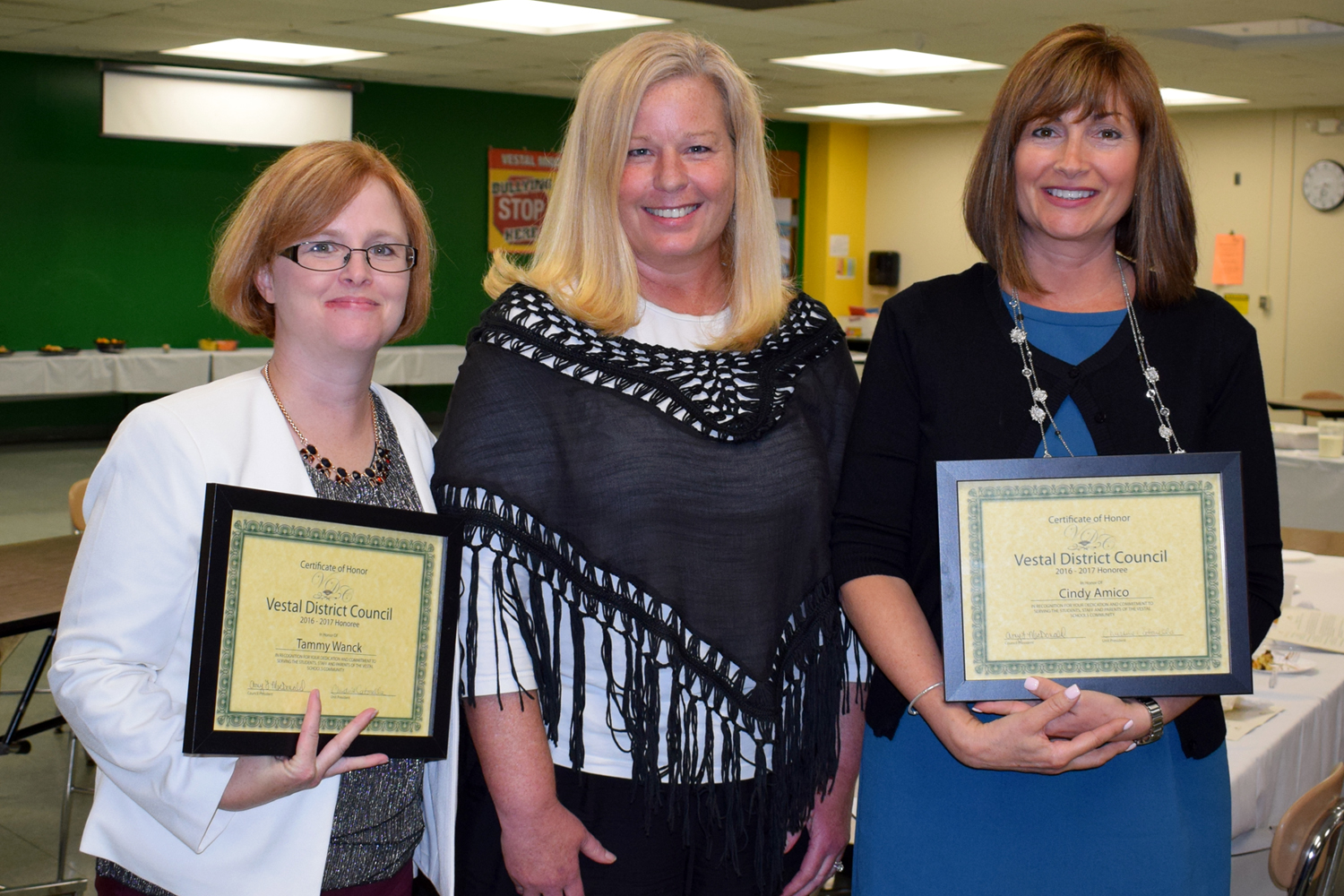 Glenwood teachers Tammy Wanck and Cindy Amico flank Glenwood Elementary Principal Doreen McSain with